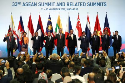 2018-11-13T101713Z_1887117352_RC13795B7880_RTRMADP_3_ASEAN-SUMMIT-copy-400×267.jpg