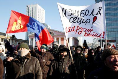 2019-01-30T075222Z_1322755796_RC1A85D4F2E0_RTRMADP_3_MONGOLIA-POLITICS-400×267.jpg