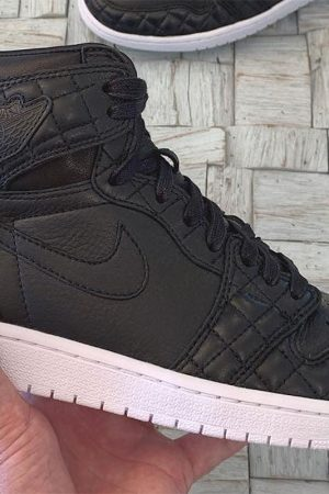 air-jordan-1-friends-and-family-all-star-black-quilted.jpg