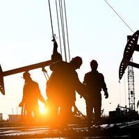 oil_shutterstock_apr25.jpg