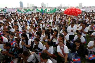 2019-05-01T033951Z_1483172288_RC1B2D6AE700_RTRMADP_3_MAY-DAY-CAMBODIA-400×267.jpg