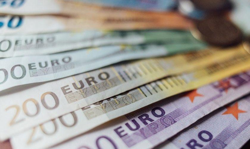 Euro_shutterstock_June25.jpg