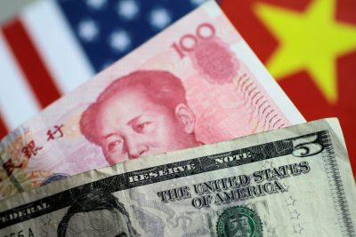 2019-08-05T221932Z_1997527638_RC12FAB922D0_RTRMADP_3_USA-TRADE-CHINA-CURRENCY-400×267.jpg