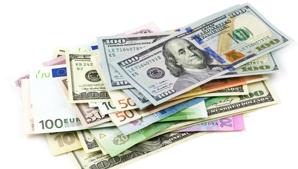Different_currency_shutterstock_Sep12.jpg