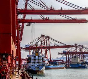 2017-05-15T120000Z_983710083_MT1IMGCNPBU81379711_RTRMADP_3_CHINA-QINGDAO-PORT-TRADE-400×267.jpg