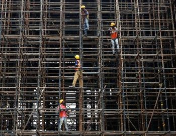 2018-07-02T103557Z_601305767_RC1FD90AAD50_RTRMADP_3_INDIA-ECONOMY-INFRASTRUCTURE-400×271.jpg