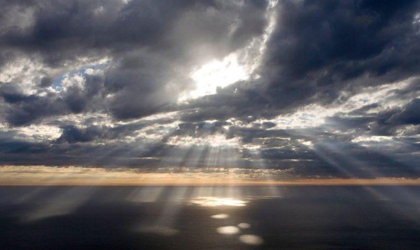 GTY_light_sky_jef_131025_16x9_992.jpg