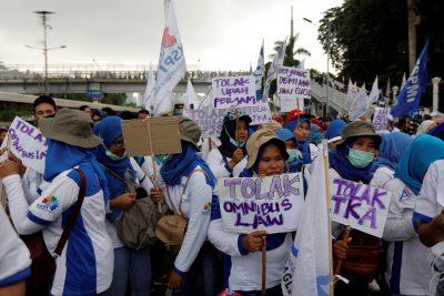 2020-01-20T054133Z_183243762_RC2HJE9ZL16K_RTRMADP_3_INDONESIA-PROTESTS-400×267.jpg