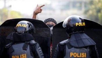 2019-05-22T042112Z_1935676027_RC1F798F0600_RTRMADP_3_INDONESIA-ELECTION-400×267.jpg